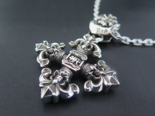 Ionic lily crowncross (L)