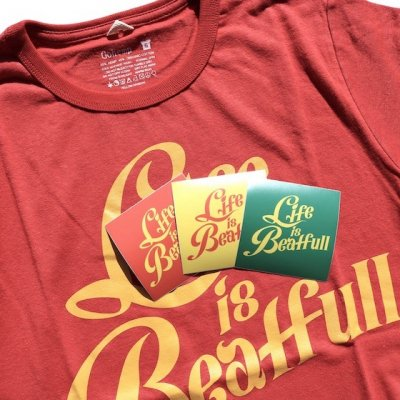 犬式OFFICIAL|[ステッカー付き] Life Is Beatfull Tee|Poppy Red|GO HEMP