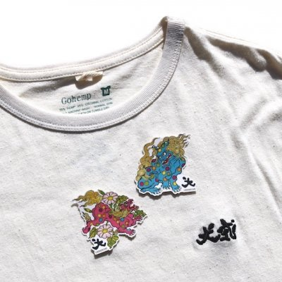 犬式OFFICIAL|[ステッカー付き]犬式刺繍 Tee|NATURAL|GO HEMP