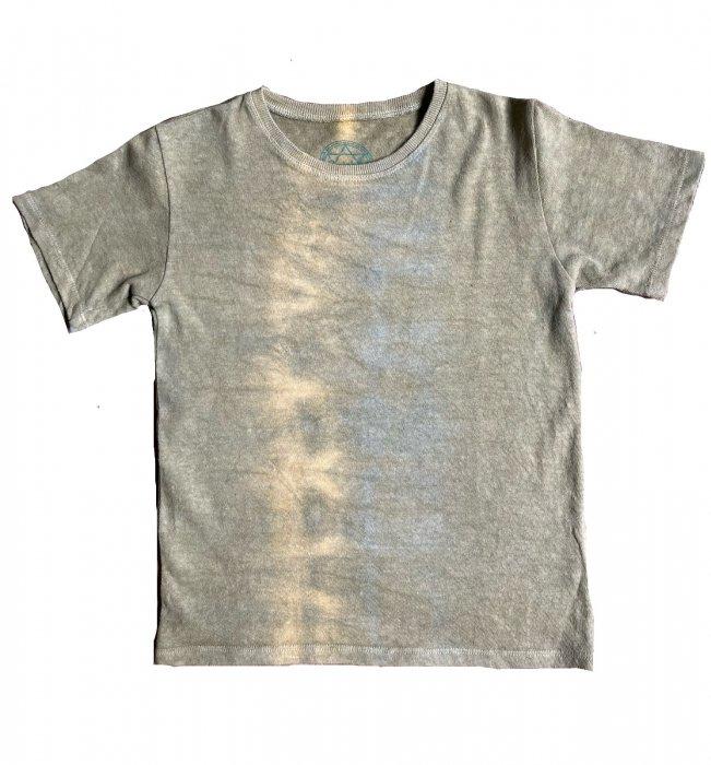 冨貴工房|自然染め ヘンプコットン Tシャツ|KIDS Lサイズ|ベンガラ(鬱金)と藍錠|「み」