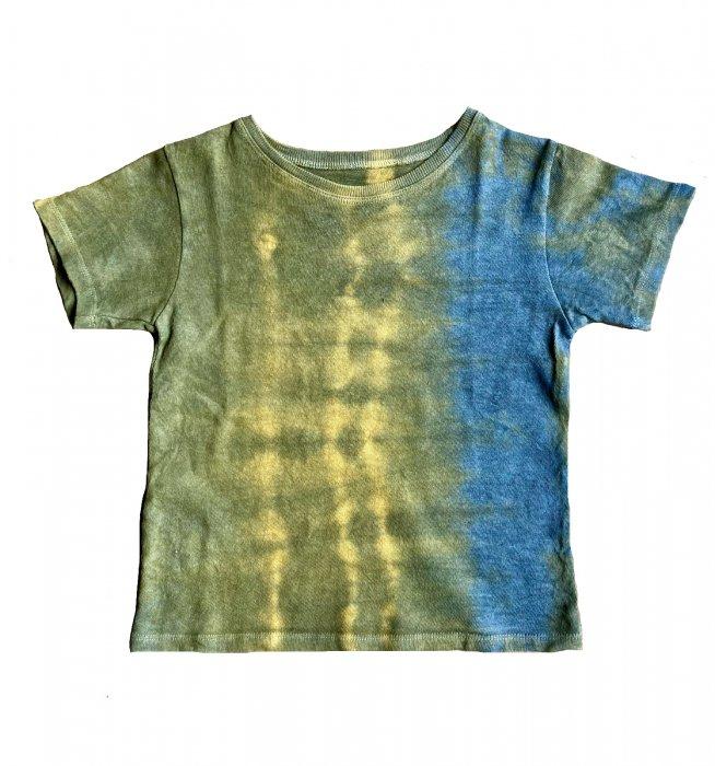 冨貴工房|自然染め ヘンプコットン Tシャツ|KIDS Mサイズ|ベンガラ(鬱金)と胡粉と藍錠|「と」