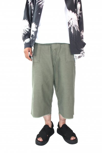 <img class='new_mark_img1' src='//img.shop-pro.jp/img/new/icons2.gif' style='border:none;display:inline;margin:0px;padding:0px;width:auto;' />BAKER PANTS (KHAKI)