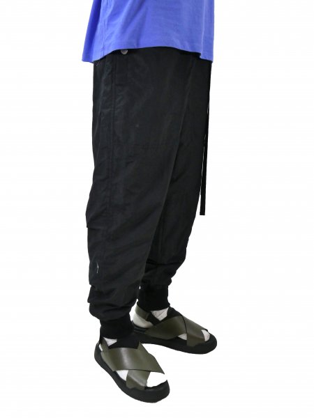<img class='new_mark_img1' src='//img.shop-pro.jp/img/new/icons2.gif' style='border:none;display:inline;margin:0px;padding:0px;width:auto;' />Training Pants(BLACK)