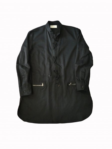 <img class='new_mark_img1' src='https://img.shop-pro.jp/img/new/icons2.gif' style='border:none;display:inline;margin:0px;padding:0px;width:auto;' />CLASSIC LONG SHIRT(BLACK)