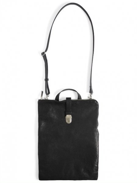 <img class='new_mark_img1' src='https://img.shop-pro.jp/img/new/icons2.gif' style='border:none;display:inline;margin:0px;padding:0px;width:auto;' />Leather shoulder bag 'cartable'