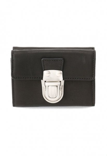 <img class='new_mark_img1' src='//img.shop-pro.jp/img/new/icons2.gif' style='border:none;display:inline;margin:0px;padding:0px;width:auto;' />Leather trifold wallet 'cartable'