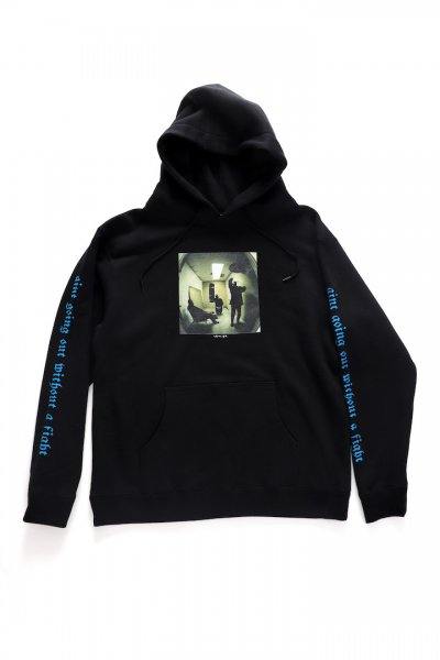 <img class='new_mark_img1' src='//img.shop-pro.jp/img/new/icons2.gif' style='border:none;display:inline;margin:0px;padding:0px;width:auto;' />AINT GOING OUT-WITHOUT A FIGHT SWEAT HOODIE(BLACK)