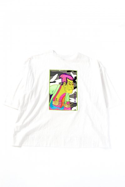 <img class='new_mark_img1' src='https://img.shop-pro.jp/img/new/icons41.gif' style='border:none;display:inline;margin:0px;padding:0px;width:auto;' />CRAZY EMBROIDERY SYARAKU T-SHIRTS(WHITE)