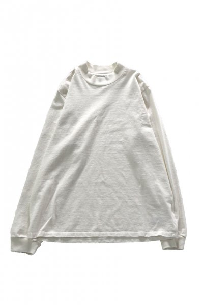 <img class='new_mark_img1' src='https://img.shop-pro.jp/img/new/icons2.gif' style='border:none;display:inline;margin:0px;padding:0px;width:auto;' />MOCK NECK LONG SLEEVE TEE ( EGGSHELL)