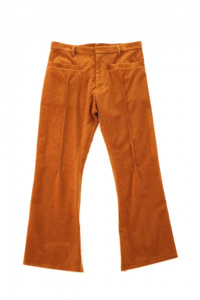 <img class='new_mark_img1' src='https://img.shop-pro.jp/img/new/icons2.gif' style='border:none;display:inline;margin:0px;padding:0px;width:auto;' />Corduroy Flare Pants