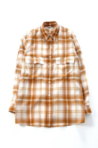 <img class='new_mark_img1' src='https://img.shop-pro.jp/img/new/icons2.gif' style='border:none;display:inline;margin:0px;padding:0px;width:auto;' />Over sized check blouse(ECRU)