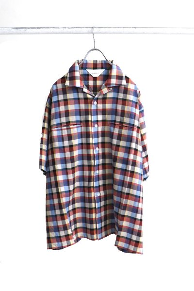 <img class='new_mark_img1' src='https://img.shop-pro.jp/img/new/icons2.gif' style='border:none;display:inline;margin:0px;padding:0px;width:auto;' />Madras check shirts