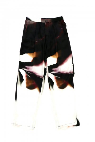 <img class='new_mark_img1' src='https://img.shop-pro.jp/img/new/icons2.gif' style='border:none;display:inline;margin:0px;padding:0px;width:auto;' />FLORAL SILK PANTS