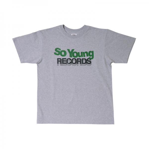 <img class='new_mark_img1' src='https://img.shop-pro.jp/img/new/icons2.gif' style='border:none;display:inline;margin:0px;padding:0px;width:auto;' />So Young × LOCAL ALLIANCE Logo T-shirts(GRAY)