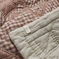 PROJEKTITYYNY◇ Wes gingham patchwork baby quilt, blush