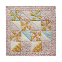 PROJEKTITYYNY◇ Unten Maa baby quilt, made with Liberty fabric