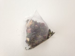 trip / rainbow (tea bag)