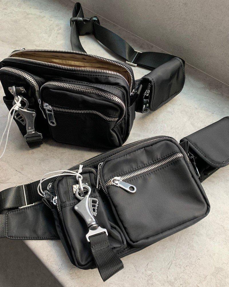 mnml Cross Body Bag / Black