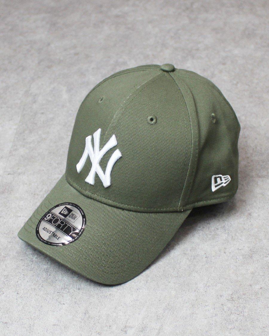 New Era 9Forty New York Yankees Strapback Cap - Olive