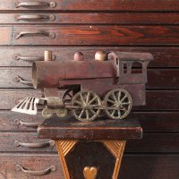 ANTIQUE LOCOMOTIVE TIN TOY