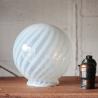 ANTIQUE OPEALESCENT SWIRL GLOBE GLASS SHADE