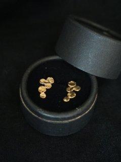 accessories mau ぶどうピアス brass