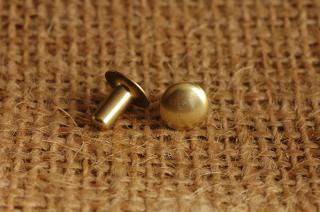 ベルギーリベット(小)頭7mm足7mmシングルキャップ_真鍮