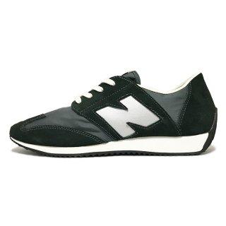 new balance / U320 / Black