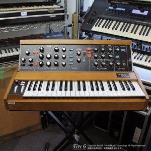 Moog | Minimoog Model D Reissue【中古】<img class='new_mark_img2' src='//img.shop-pro.jp/img/new/icons41.gif' style='border:none;display:inline;margin:0px;padding:0px;width:auto;' />