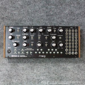 Moog | Mother-32【中古】<img class='new_mark_img2' src='//img.shop-pro.jp/img/new/icons7.gif' style='border:none;display:inline;margin:0px;padding:0px;width:auto;' />