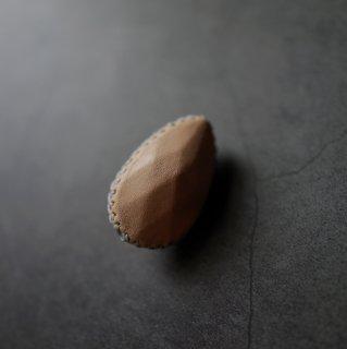 KAWABOUSEKI brooch