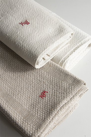 Very long linen roll towels  157967790