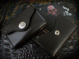 ブラック サドルレザー カード ケース w/アトリエマークボタン