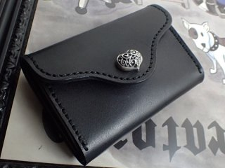ブラック サドルレザー コイン カード ケース w/ ハートボタン