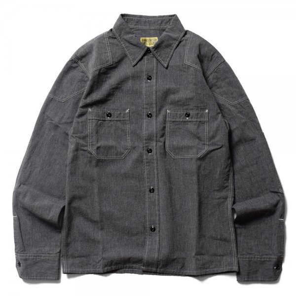 <img class='new_mark_img1' src='https://img.shop-pro.jp/img/new/icons31.gif' style='border:none;display:inline;margin:0px;padding:0px;width:auto;' />PADDED CHAMBRAY SHIRT