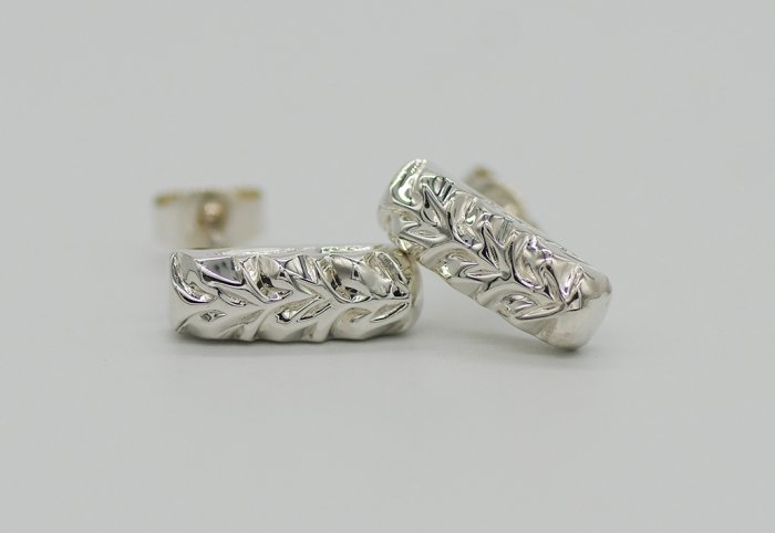 PIERCED EARRINGS -SQUARE-