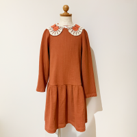 <b>KOKORI</b><br>21aw ROSE DRESS  WITH COLLAR<br>CORAL<img class='new_mark_img2' src='https://img.shop-pro.jp/img/new/icons1.gif' style='border:none;display:inline;margin:0px;padding:0px;width:auto;' />