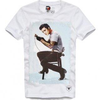 日本未入荷 UK発 E1SYNDICATE イーワンシンジケート Tシャツ TATTOOED KING エルヴィスプレスリー タトゥー フォト パロディー コラボ プリント  関税込