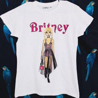 <img class='new_mark_img1' src='https://img.shop-pro.jp/img/new/icons15.gif' style='border:none;display:inline;margin:0px;padding:0px;width:auto;' />新作 日本未入荷 パロディ UNOUNOSHIRTS ウノウノ It´s Britney B*tch? ブリトニー ディオール ハンドメイド アート Tシャツ ユニセックス  関税込