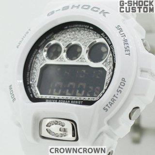 <img class='new_mark_img1' src='https://img.shop-pro.jp/img/new/icons15.gif' style='border:none;display:inline;margin:0px;padding:0px;width:auto;' />CROWNCROWN クラウンクラウン CASIO カシオ G-SHOCK Gショック DW-6900 シルバー925 文字盤 ボタン カスタム スワロフスキー キュービックジルコニア
