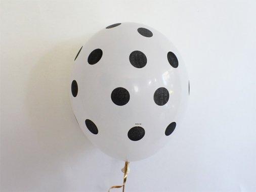 バルーン ポルカドット柄 ホワイト×ブラック 11'R(23〜28cm)5枚入-Qualatex