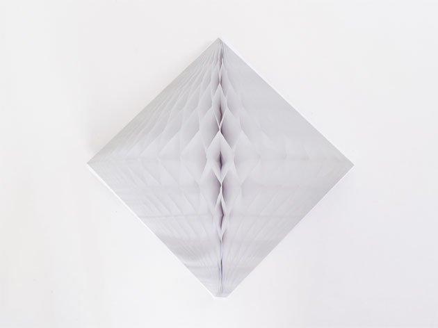 ダイヤモンド型ハニカムデコレーション 30cm  ホワイト