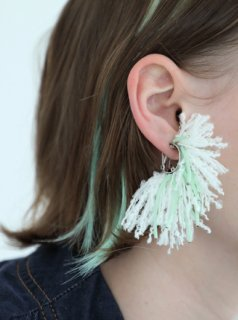 Neon Flower Ear Clip