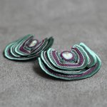 ARRO / Embroidery earring / Turkey Tail (green)/ペア