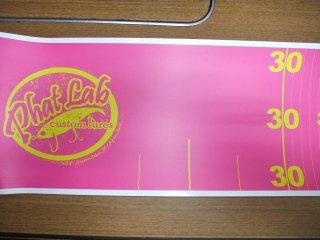 ファットラボ メジャーステッカー ピンクベースに黄色文字 送料が別途1200円〜1400円必要です。