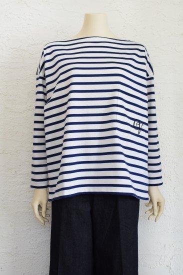 CHEVAL plus(シュヴァルプラス) なめらかな肌触りと美しい光沢のビアリッツ天竺cottonを使用した 刺繍入りポケットのBorder T-Shirt《手洗い可》