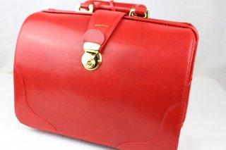 真っ赤なダレスバッグ