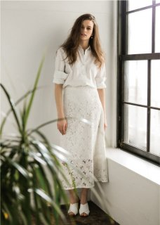 <img class='new_mark_img1' src='//img.shop-pro.jp/img/new/icons20.gif' style='border:none;display:inline;margin:0px;padding:0px;width:auto;' />LACE FLARE SKIRT