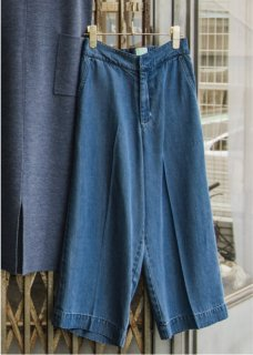 <img class='new_mark_img1' src='//img.shop-pro.jp/img/new/icons20.gif' style='border:none;display:inline;margin:0px;padding:0px;width:auto;' />DENIM GAUCHO PANTS