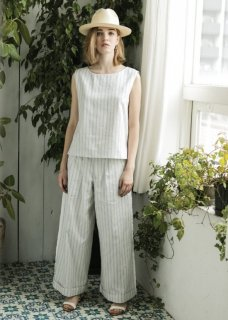 <img class='new_mark_img1' src='//img.shop-pro.jp/img/new/icons20.gif' style='border:none;display:inline;margin:0px;padding:0px;width:auto;' />Emma STRIPE WIDE PANTS